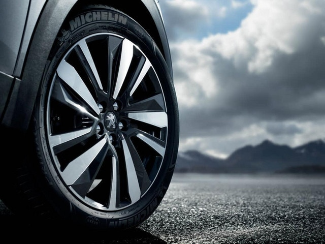 Peugeot 3008 SUV - Michelin Primacy 3-band