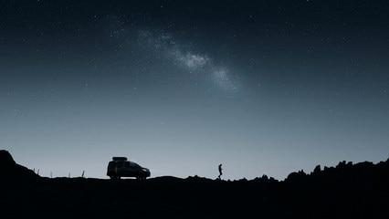 PEUGEOT RIFTER 4X4 CONCEPT – Zijaanzicht in het donker