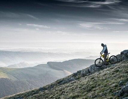 PEUGEOT RIFTER 4X4 CONCEPT – Man op Peugeot-mountainbike