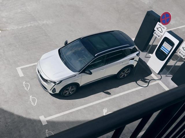 Nieuwe Peugeot 3008 SUV HYbrid -  Privé opladen