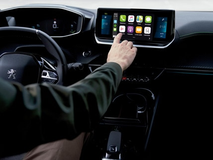Nieuwe PEUGEOT 2008 SUV: 10 inch capacitief HD-touchscreen