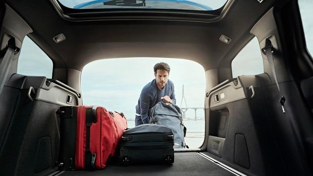 PEUGEOT 308 SW: grote bagageruimte en neerklapbare Magic Flat-achterbank