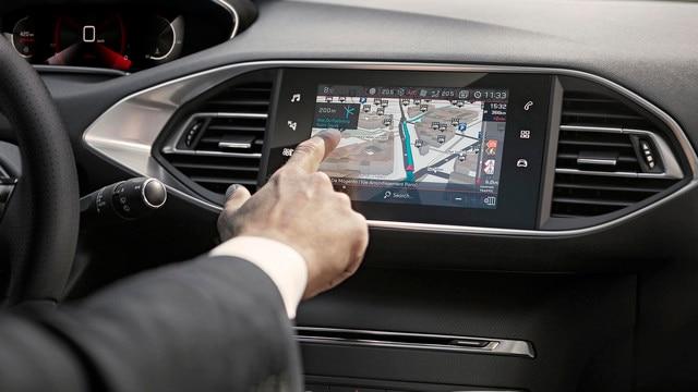 PEUGEOT 308 SW: capacitief touchscreen met nieuw glanzend uiterlijk