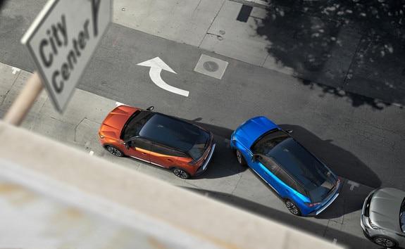 Nieuwe PEUGEOT 2008 SUV: Full Park Assist om het parkeren te vergemakkelijken