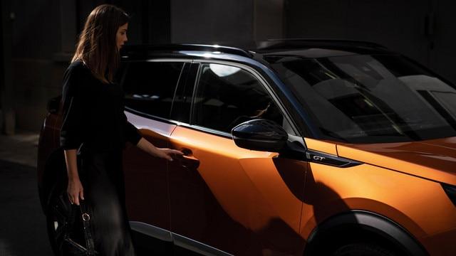 Nieuwe PEUGEOT 2008 SUV: een dynamische en efficiënte compacte SUV