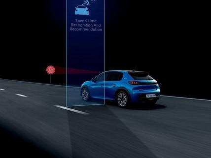 Nieuwe Peugeot 208 - Verkeersbordherkenning en snelheidsaanbeveling