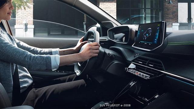 Nieuwe PEUGEOT e-2008 SUV: nieuwe PEUGEOT i-Cockpit® 3D