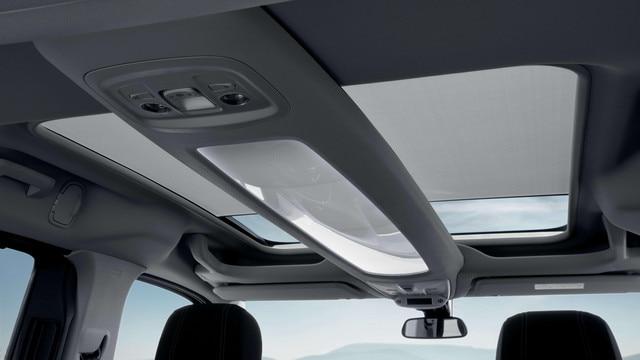 Nieuwe PEUGEOT Rifter –Nieuw Zénith®-dak met zonnescherm