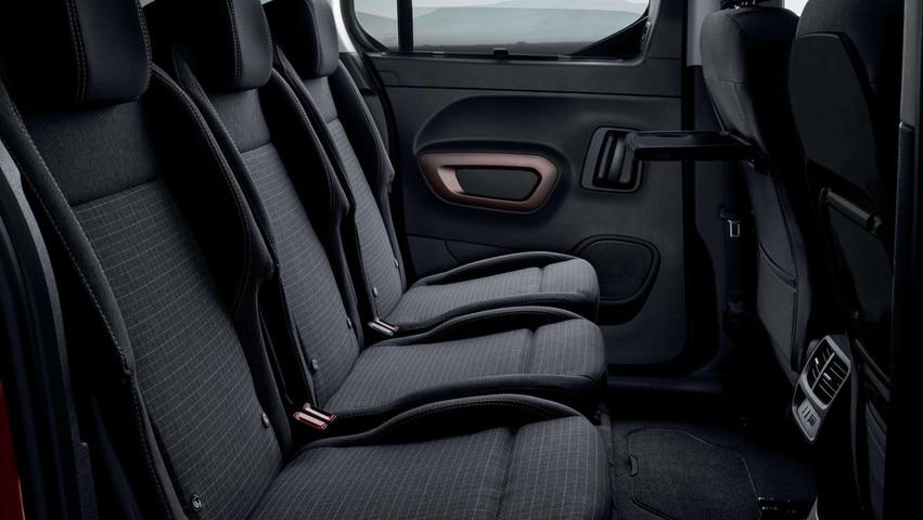NIEUWE PEUGEOT RIFTER – 3 individuele achterstoelen en Magic Flat-systeem