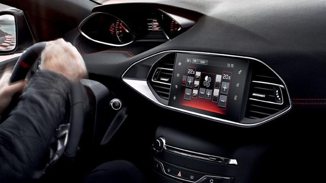 Peugeot 308 GTi - i-Cockpit®