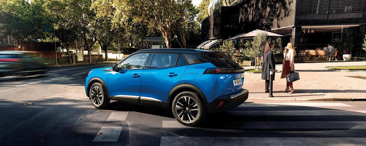 De nieuwe elektrische SUV PEUGEOT e-2008: een krachtige, dynamische en efficiënte elektrische compacte SUV.