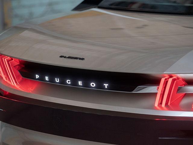 PEUGEOT e-LEGEND - Concept car - Achterzijde