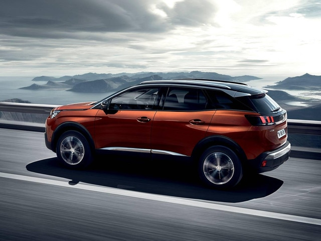 Peugeot 3008 SUV - On road photo