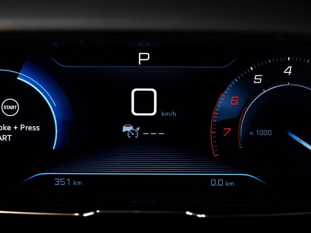 Peugeot 3008 SUV - Dashboard detail