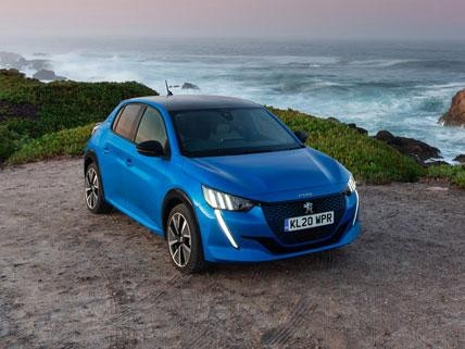Nieuwe Peugeot e-208 - 'Electric Small Car of the Year'