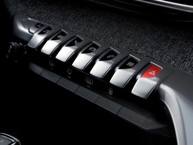 Peugeot 3008 SUV - Dashboard details