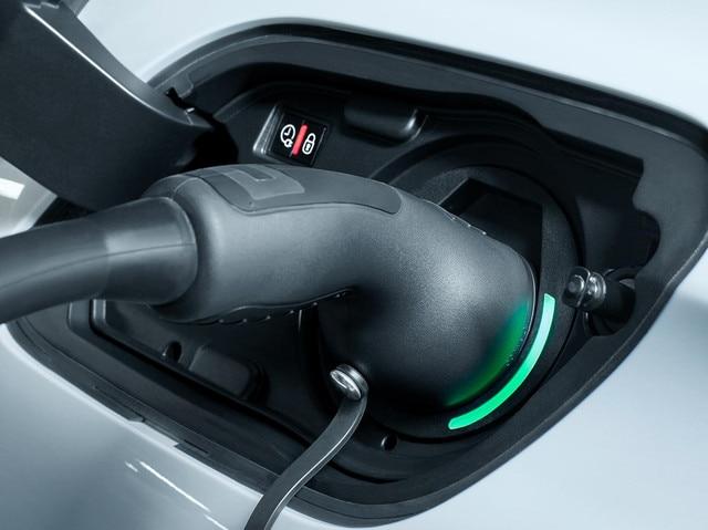 Peugeot Plug-in Hybrid - Opladen tractiebatterij