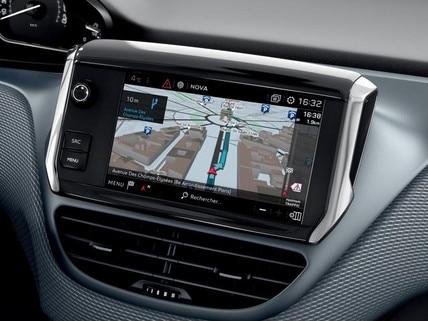 Peugeot 208 - 5 deurs - interieur touchscreen
