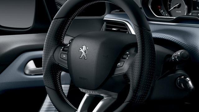 Peugeot 208 - 5 deurs - interieur compact stuurwiel