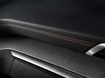 Peugeot 3008 SUV GT - sierlijst portier