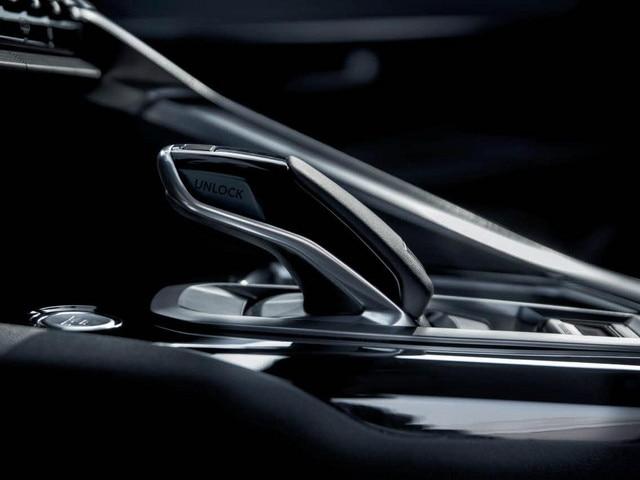 Peugeot 3008 SUV - automatische transmissie EAT6