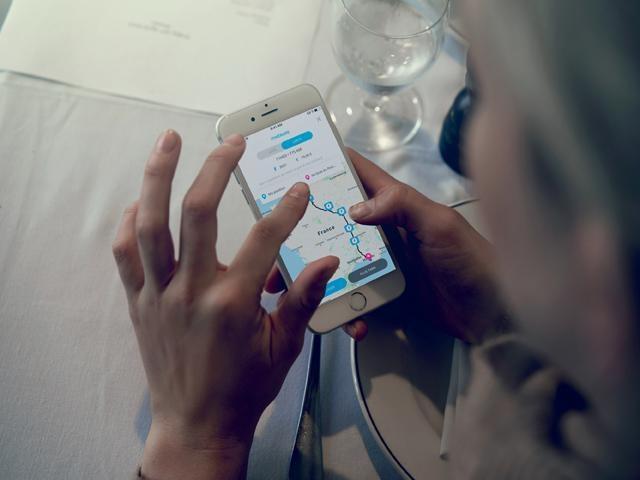 Nieuwe Peugeot 508 SW HYBRID – Free2Move Services-app