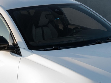 Nieuwe Peugeot 508 SW HYBRID, elektrisch rijden van buitenaf zichtbaar